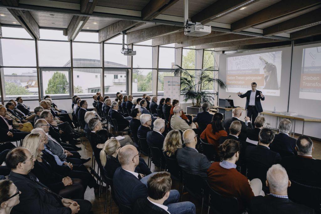Alexander Birken (Otto Group) bei Handel im Gespräch Foto: Michael Kuhlmann