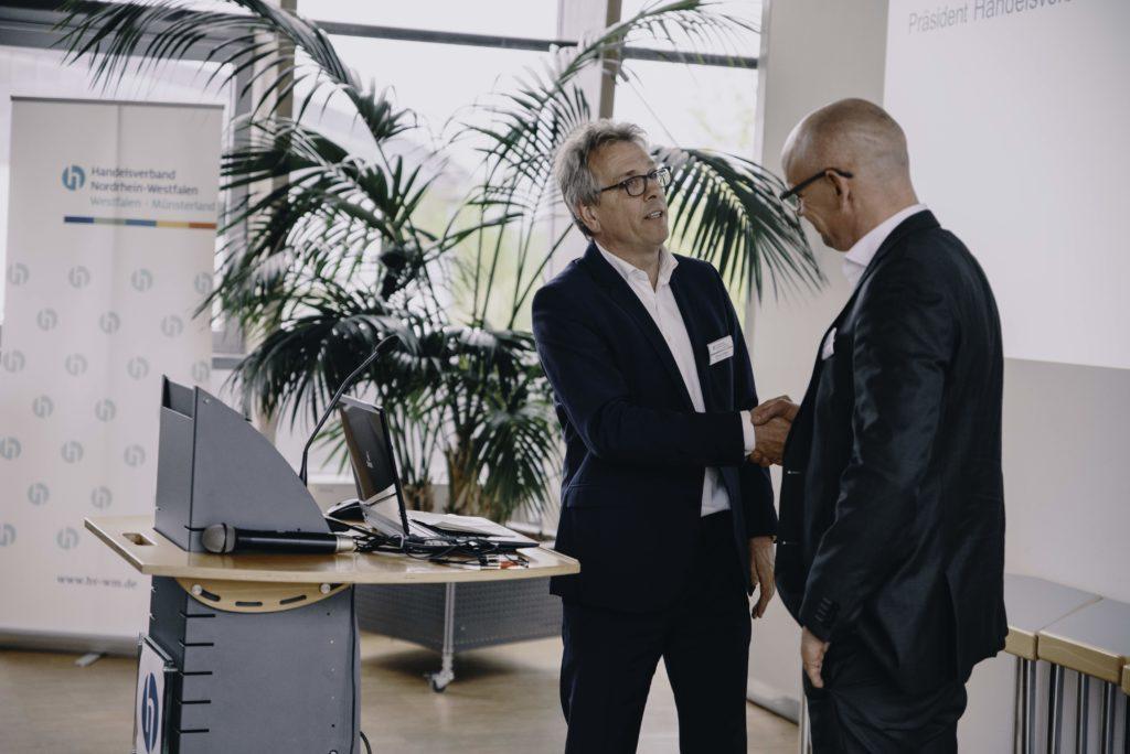 Michael Radau übergibt das Amt des Vorsitzenden an Stefan Grubendorfer Foto: Michael Kuhlmann